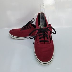 Maroon Vans off the Wall sneakers black laces